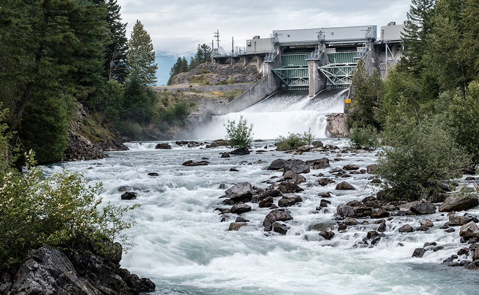 Moving businesses to clean hydro-electric power image